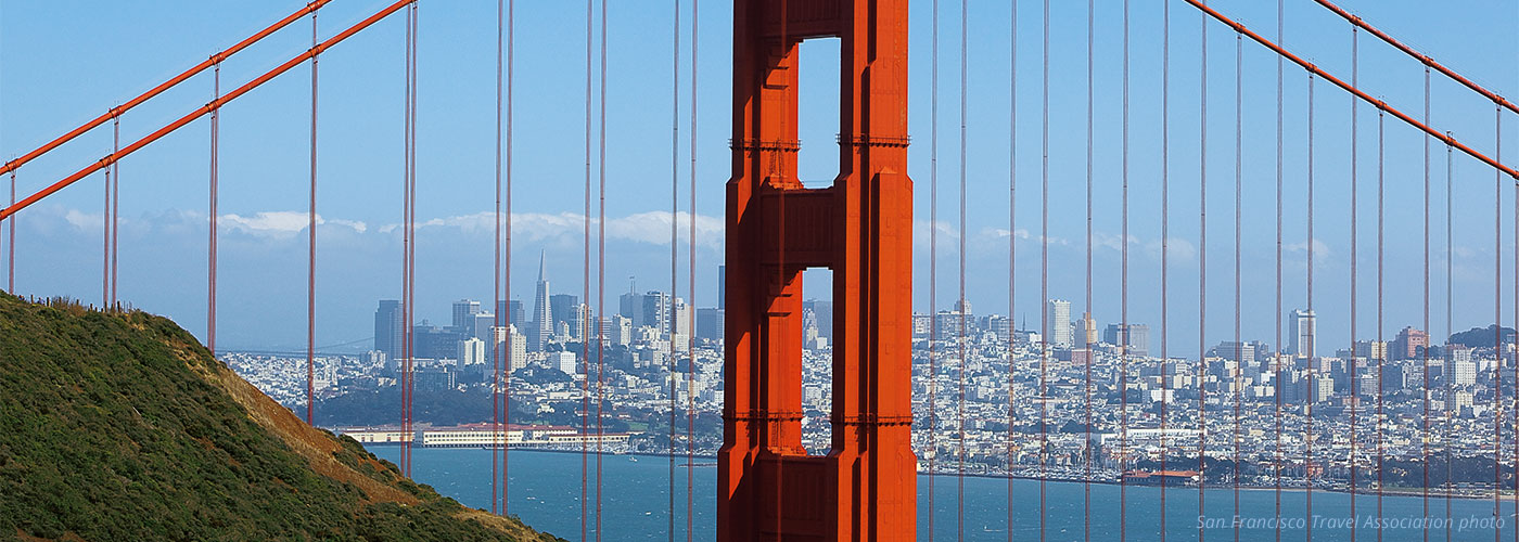 Golden-Gate-Bridge---Marin-Headlands_San-Francisco-Travel-Association_Scott-Chernis_1400x500.jpg